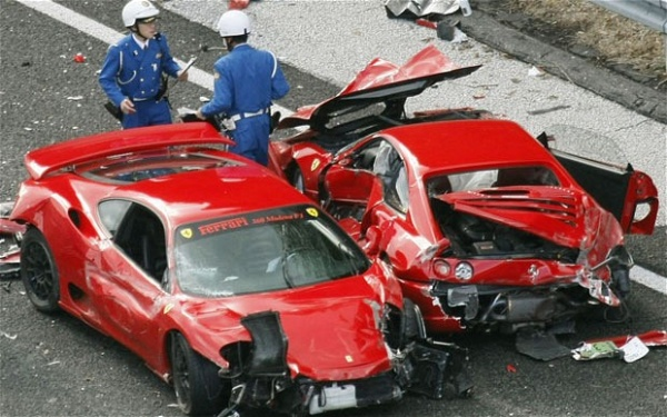 17 Supercar crash in Japan